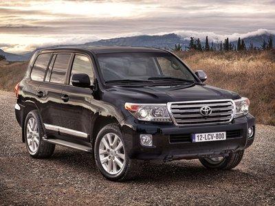 Toyota-Land_Cruiser-2013