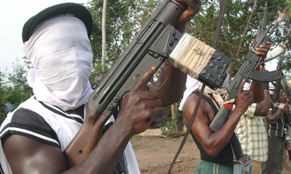 Nigerian militants kidnap foreign oil workers