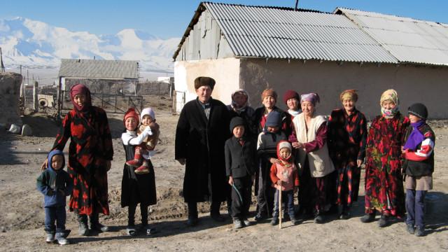 Kyrgyz_family_Sary-Mogol