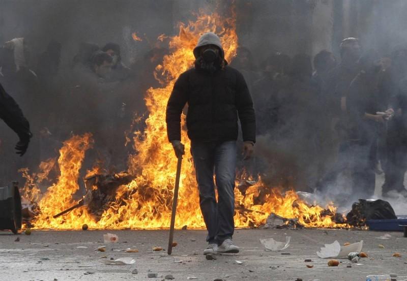 На фото, если что: беспорядки в Греции