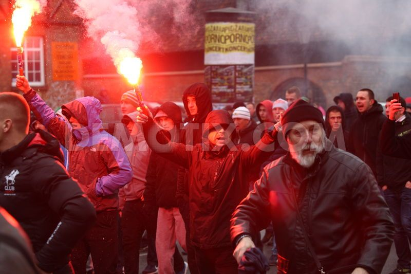 1448215294-police-intervene-in-antiimmigration-march-in-gdanskpoland_9125180