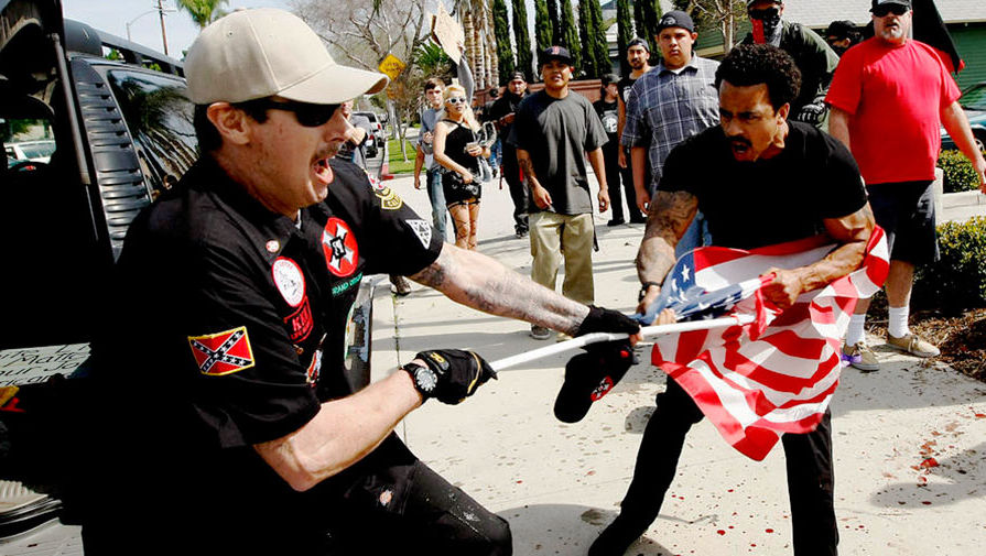 upload-la-me-kkk-rally-anaheim-20160227-pictures-001-1-pic905-895x505-69375