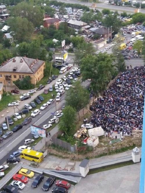 Чуркобесы празднуют Уразу-байрам: В Екатеринбурге и Челябинске водители-мусульмане сорвали работу маршруток