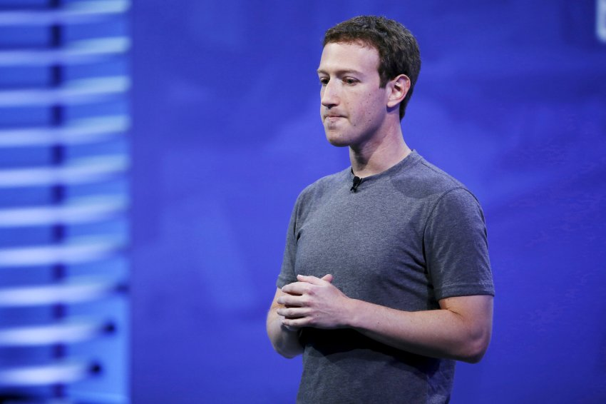 Facebook CEO Mark Zuckerberg speaks on stage during the Facebook F8 conference in San Francisco, California April 12, 2016. REUTERS/Stephen Lam - RTX29NQF