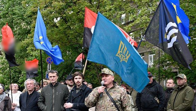 Украинские националисты требуют отставки Авакова